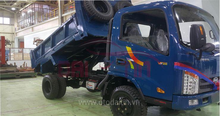 Xe tải ben tự đổVB200 2 tấn động cơ Hyundai ga cơ